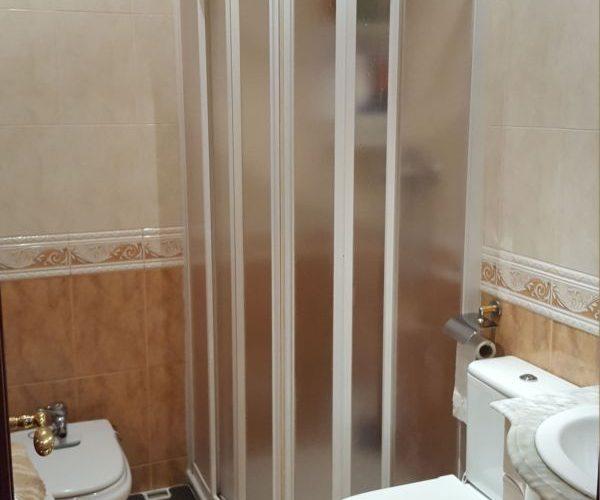 Nagusia 7, baño completo con plato de ducha